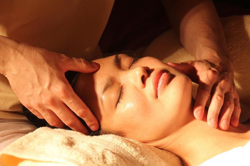Comment faire un massage nuru : tous nos conseils